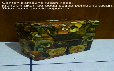 Gift wrap (packing kado)