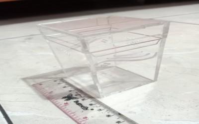 Kandang Akrilik 5,5 x 5,5 x 10 cm